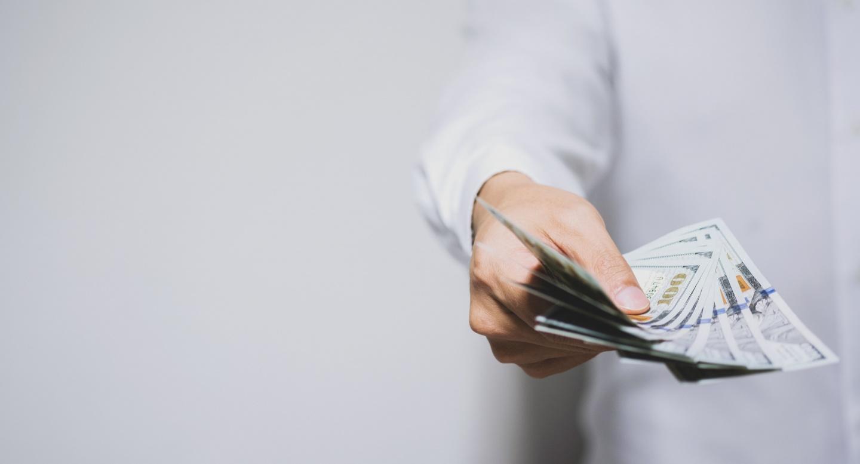 Деньги в долг под залог документов автосалоны китайские москва