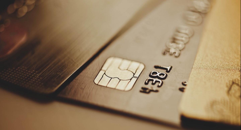 Кредиты и вклады, ипотека, дебетовые и кредитные карты и другие банковские услуги для физических лиц.